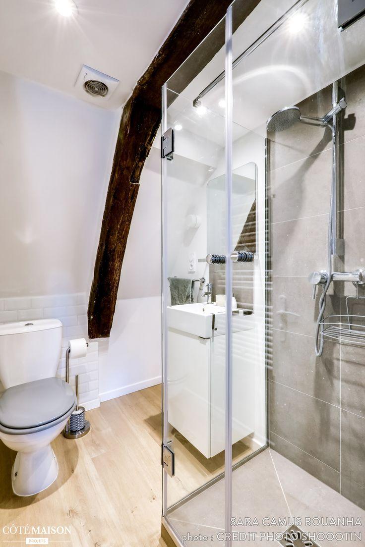 un petit studio confortable sous les toits dun bel immeuble du marais datant de - Lucarne Moderne Et Toit Tuile