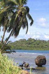 Zona Caribe, Panamá (Chodaboy) Tags: beach azul mar photo mac playa portobello panama portobelo palmera gaspar panamá hdr colon marcaribe caribe piedra 3xp photomatix photomatic chodaboy caribepanama photocaribe