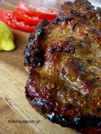Μαλακή μπριζόλα στο γκριλ (με γιαούρτι και σος μπάρμπεκιου). Ίσως η πιο μαλακή και ζουμερή μπριζόλα που δοκιμάσατε!