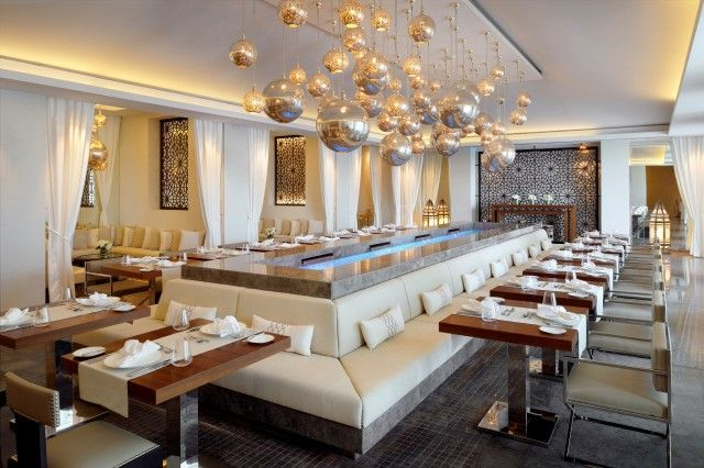 The world's tallest hotel in Dubai: The JW Marriott Marquis #addictabroad