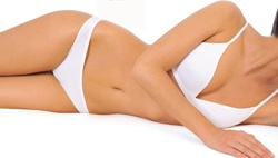 Небольшой комплекс упражнений для мышц живота, позволит быстро восстановить тонус мышц, привести тело и кожу в порядок. Основное отличие от массы других комплексов состоит в том, что его можно выполнять в удобное время, в удобном для вас месте, без специальных приспособлений