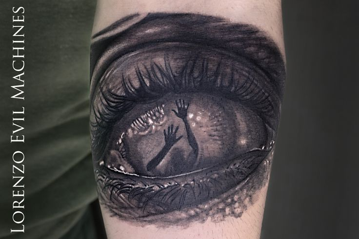 Horror Eye - Occhio horror - tatuaggio surreale Realistico - Realistic Black and gray Tattoo - By Lorenzo Evil Machines - Roma - Italia Realistic Color Tattoo by Lorenzo Evil Machines - Roma - tatuaggi realistici e ritratti 3D
