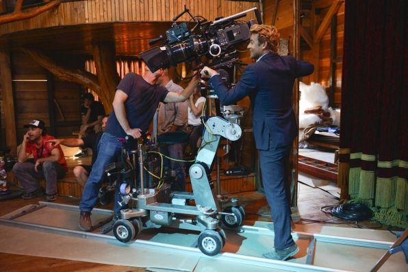 """Behind The Scenes in """"Forest Green"""" S6 E18"""