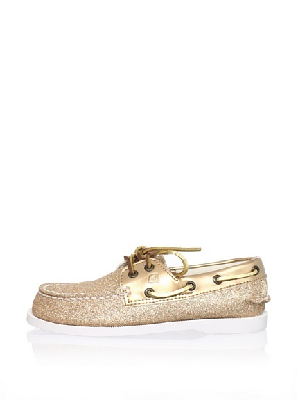 I used to get these (the pain old brown ones) as my school shoes every year as a kid! Look at them now! Sparkly ones, bright colors and even patent leather! Dorky and cute! Great combo!