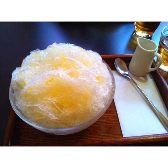 "Shaved natural ice with Japanese orange ""natsu Mikan"" syrup @Kashiwa."