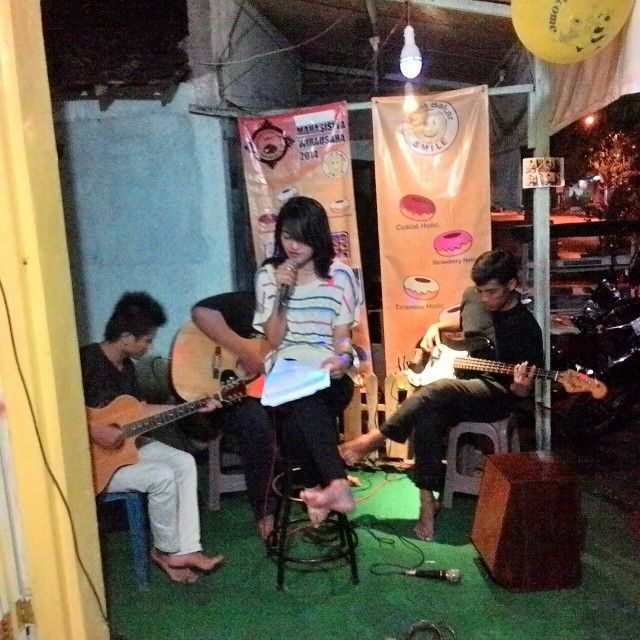 live acoustic 1st Anniversary