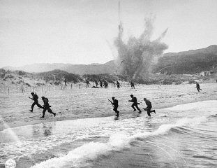 World War II history gallery British troops land on the beaches of Normandy on D-Day, the beginning of the Allied invasion of France to establish a second front against German forces in Europe. Normandy, France, June 6, 1944.