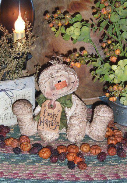 Primitive Dusty Mummy Halloween Ornie Doll Pattern