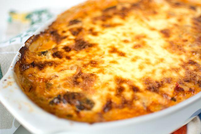 Vegetarisk grönsaksgratäng med ostsås