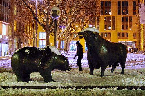A Bul land a Bear in front of Frankfurt Börse 2