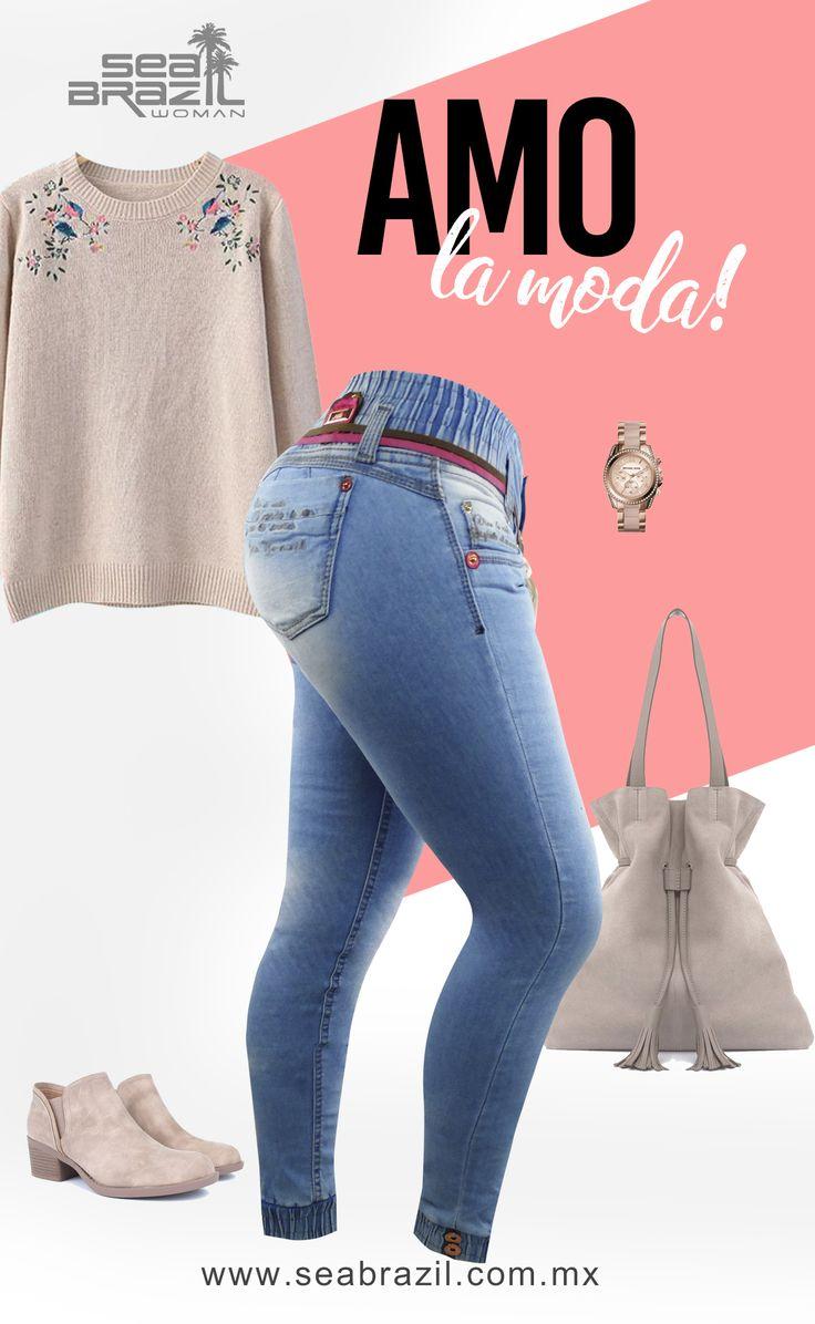 """El color nude es un color ultra femenino. Con este color se vale todo, llévalo en bolsos, carteras, camisas, chamarras, blazer, zapatos, etc. Nude significa """"desnudo"""" en ingles en referencia a toda la gama de colores, que se parece al color de nuestra piel, como son el color carne, salmón, beige o crudo entre otros. #SeaBrazil #Jeans #Moda #Tendencia #Outfit #Glamorosa #Glam #Mujer #Woman"""