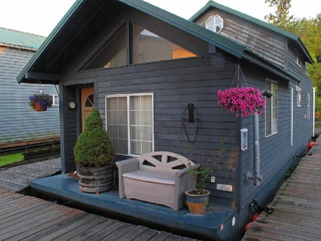 15 best floating homes images on pinterest houseboats Portland floating homes
