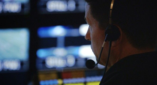 Inside The Ordered Chaos Of An NFL Production Control Room - Digg I know it's football... but the opening of the video really sums up a live production... :) Love the rush of live TV!
