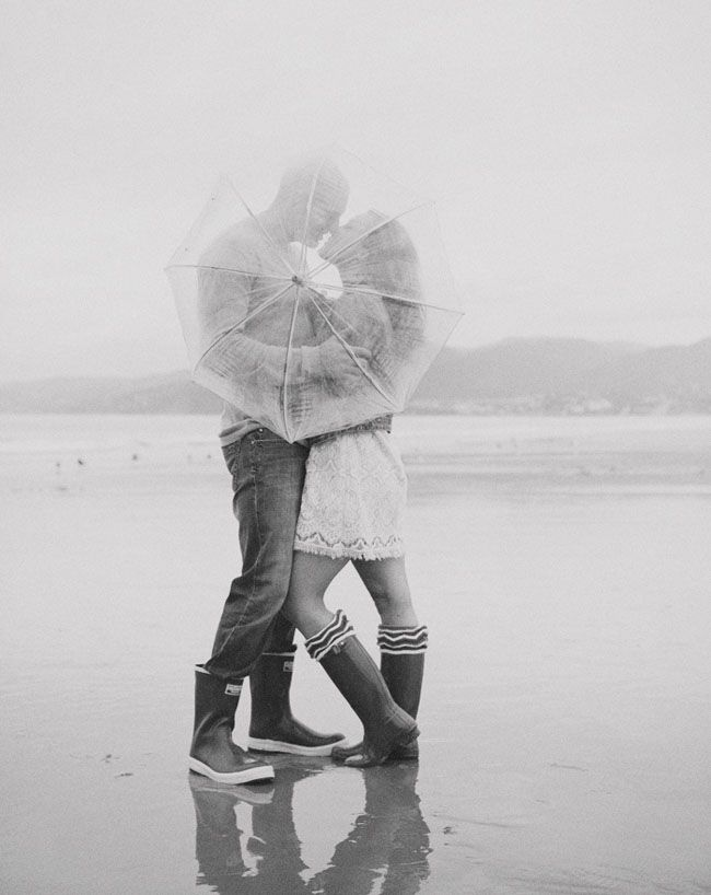 This photoshoot is so cute!    Dreamy Rainy Engagement Photos: Sarah + Ryan