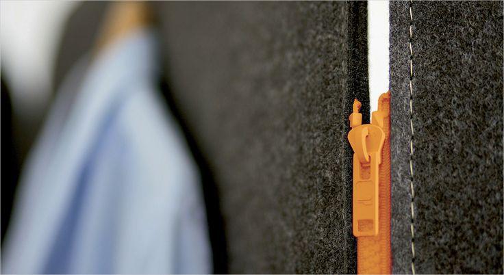 BuzziScreen akustisk foldevæg, skillevæg og rumdeler. Acoustic partition and room divider.