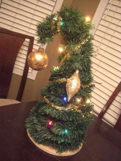 DIY Grinch Christmas tree    could be a cute centerpiece