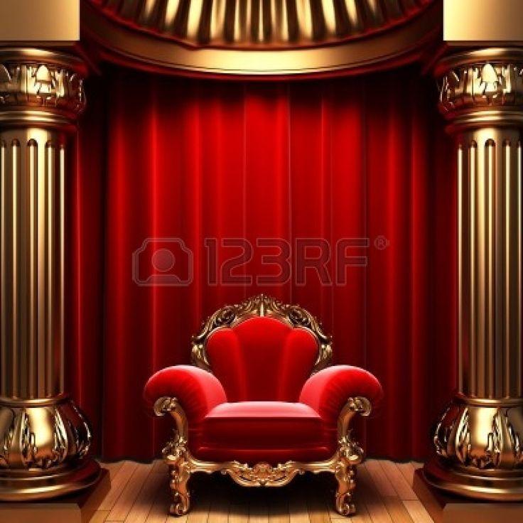 赤いベルベットのカーテン、金の列および椅子 写真素材