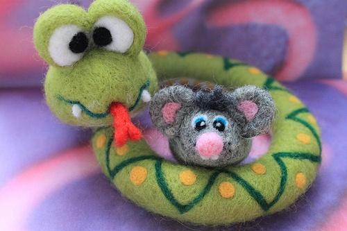 Żmijka z myszką
