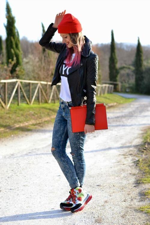 Italian fashion blogger Caterina Salvietti wears new Fornarina Funlight feat. Sue Clowes. Love it!  #Fornarina #Funlight #SueClowes #pattern #ss14 #ootd #FashionBlogger