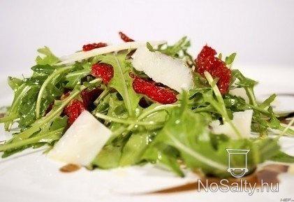 Ruccola saláta szárított paradicsommal http://www.nosalty.hu/recept/ruccola-salata-szaritott-paradicsommal