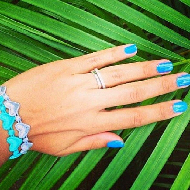 This blue-green combo is one of my favorites. Always reminds me of the ocean.