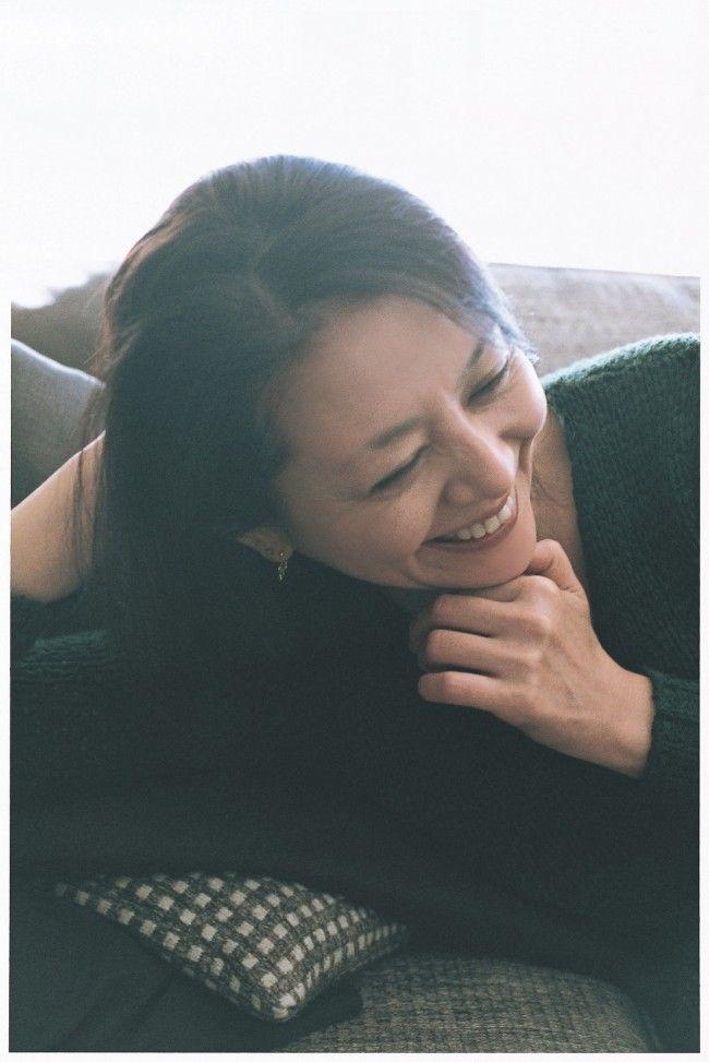 """小泉今日子、自宅で""""私服&ノーメイク""""撮影 丸腰で挑む「誰も知らないプライベート」 - 写真 - エンタメ - ニュース - クランクイン!"""