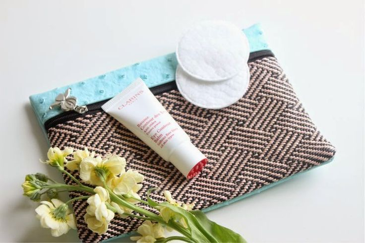 Clarins Eye Contour Balm Review - At Last an Eye Cream for Younger Skins! - The Sunday Girl review