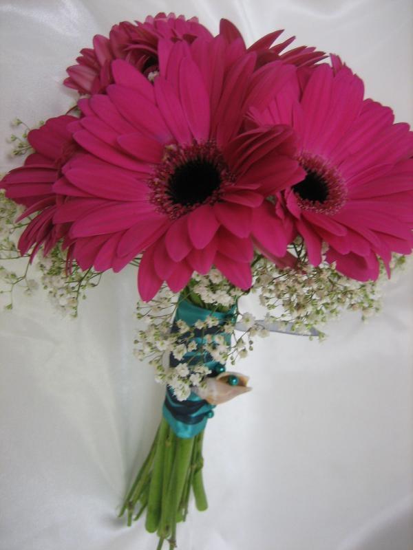 Pink Gerbera Bouquet...do blue daisies for bridesmaid ...