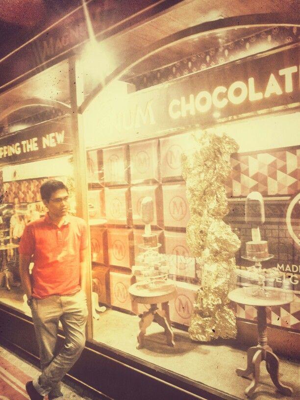 Magnum Cafe... Ice Cream Restaurant... -Jakarta-