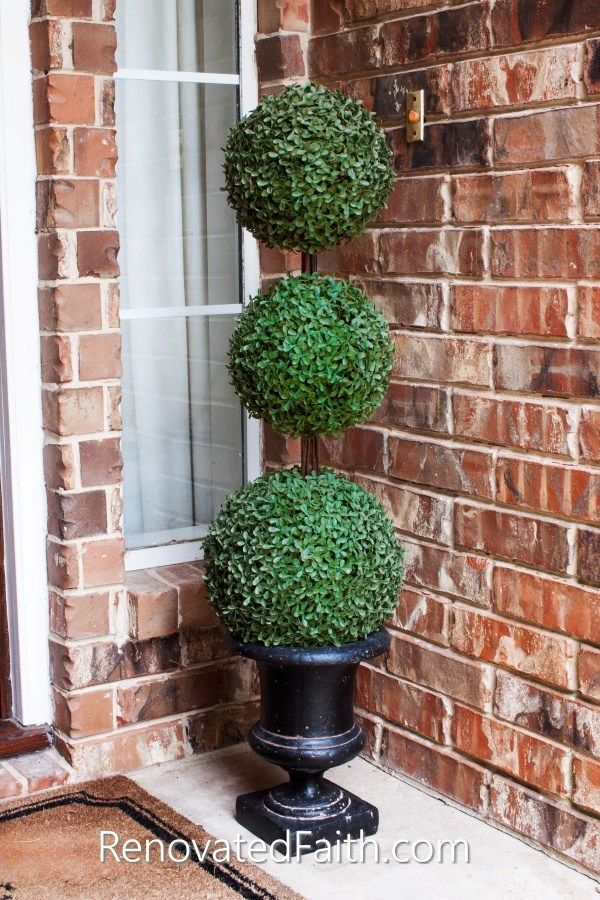 The Easiest Diy Topiary Trees On A Budget Topiary Decorating Ideas Outdoor Topiary Porch Plants Porch Topiary