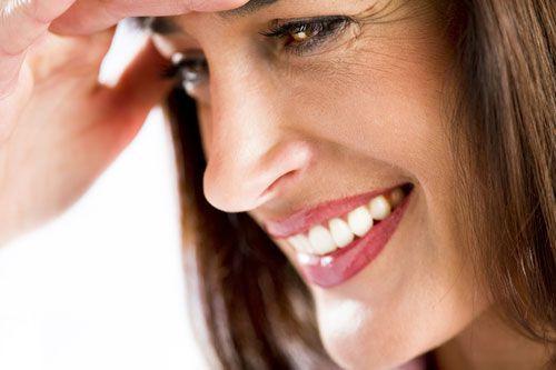 Traiter les rides d'expression avec la toxine botulique  Votre front est ridé, vous avez des plis autour des yeux et la paupière qui commence à tomber On vous donne un air fâché ou sévère . L'injection de toxine botulique est la solution pour vous.   #centre #esthétique #laser #injection #botox #toxine #botulique #vistabel #azzalure #pattes -d'oie #front , #rides #glabelle #sourire #lèvres #cou #party #guadeloupe #martinique #guyane #antilles