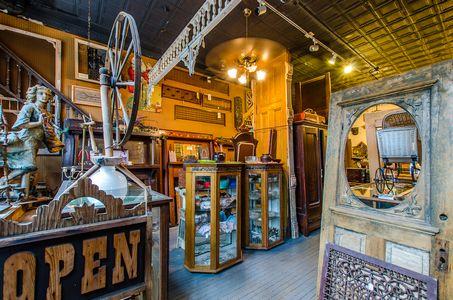 Riverside Antiques, St. Louis