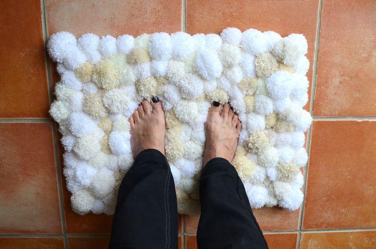 tapis en pompons-laine- La chouette bricole