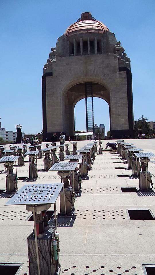 Fuente Danzante Monumento a la Revolución Mexicana