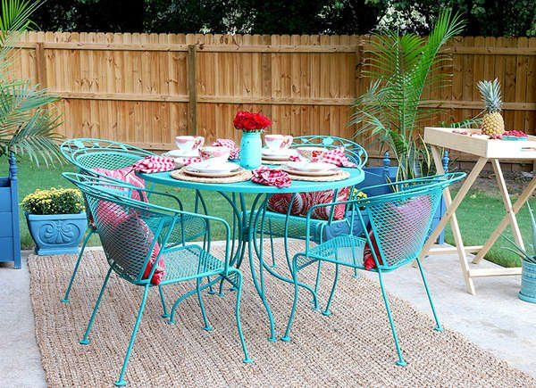 20 Unexpected Spots For Accent Colors Wrought Iron Patio Furniture Painted Patio Painting Patio Furniture