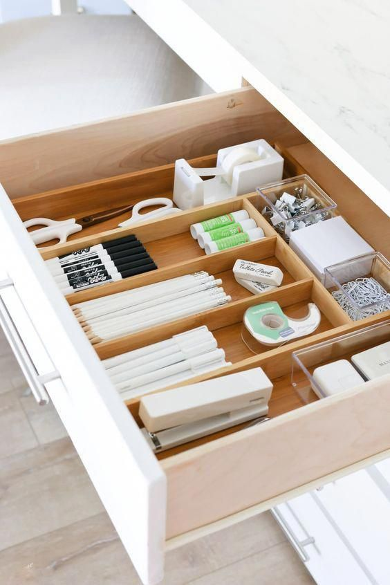 Start your office organisation off right by starting from the inside out. Get your office desk organized with drawer dividers once your desk is organised, organzing the rest of your office will be a breeze. #organize #officeorganise #officeorganization #officedecor #deskorganisation #officedeskorganization #closetorganizationideas