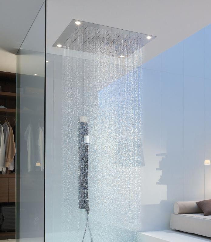 Hansgrohe Axor Starck: Purer Luxus für Ihr Bad! Bauen Sie sie in die Decke Ihres Duschbereiches ein und lassen Sie sich von 3 Strahlarten einzeln oder in Kombination verwöhnen. Dank XXL Performance wird das Wasser stets optimal auf alle aktiven Düsen verteilt. Ein besonderes Highlight: Die Kopfbrause hat eine integrierte Beleuchtung und verleiht dem Raum damit ein besonderes Flair. #kopfbrause #deckenmontage #dusche #regendusche #bad #badezimmer #axor #starck #strahlarten #reuter #reuterde