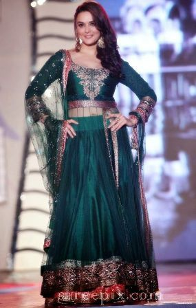 The popularity of Anarkali dress pattern can be seen in bollywood. Bollywood anarkali suits are becoming very common view on the TV. There is lots of bollywood actress which are seen in Different anarkali dress pattern.