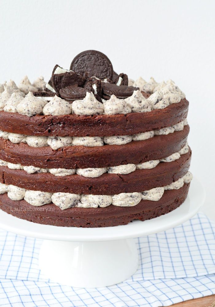 Bij onze familieverjaardagen ben ik altijd verantwoordelijk voor de taarten. Ik vraag waar de jarige zin in heeft en zorg dat er een lekkere en mooie taart op tafel staat. Mijn zusje was dit jaar op e