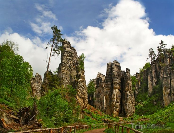 Prachovské skály - One of the most beautiful spots in the Czech Republic is Česky ráj or The Czech Paradise, situated nearly 100km northeast of Prague. The eastern gateway to this ever more visited area with its range of marvels are the Prachov Rocks.