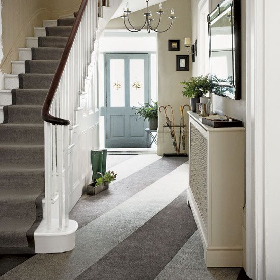 Make a stylish entrance with the decorating ideas