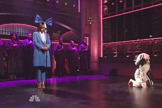 So here we have Sia performing two scrapped Adele songson Saturday Night Live, a couple weeks before Adele will be performing a pair of actual new Adele son...