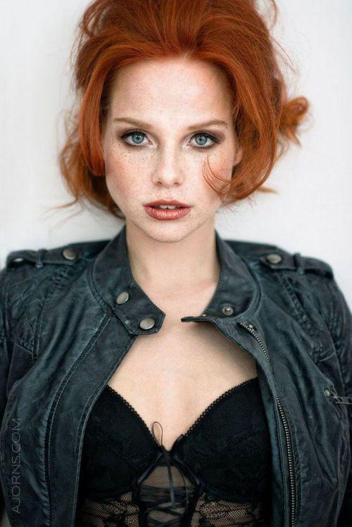 Cute Redhead girls pics | Schöne rote haare, Rothaariges