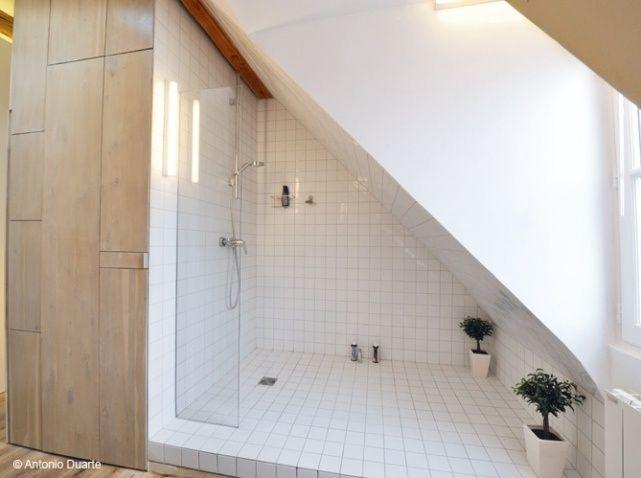 Douche sous comble salle de bain sous comble pinterest for Toilette sous comble