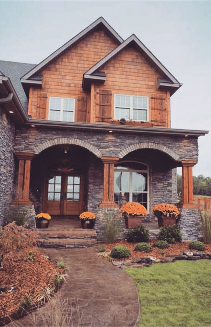 Best 25 rustic houses exterior ideas on pinterest cabin for Stone and log homes