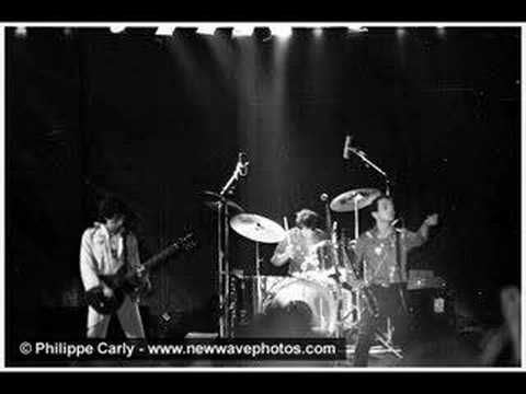 The Clash - Clash City Rockers [Original Version] - YouTube