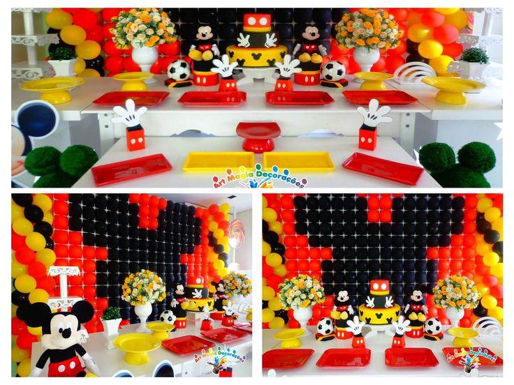 Linda decoração, com pratos de porcelanas, bolo falso de biscuit, tapete de grama sintetica, buchinhos para vasos rosto do mickey, tenha em sua festa essa linda mesa delicada, cheia de detalhes todos os seus convidados vão amar.
