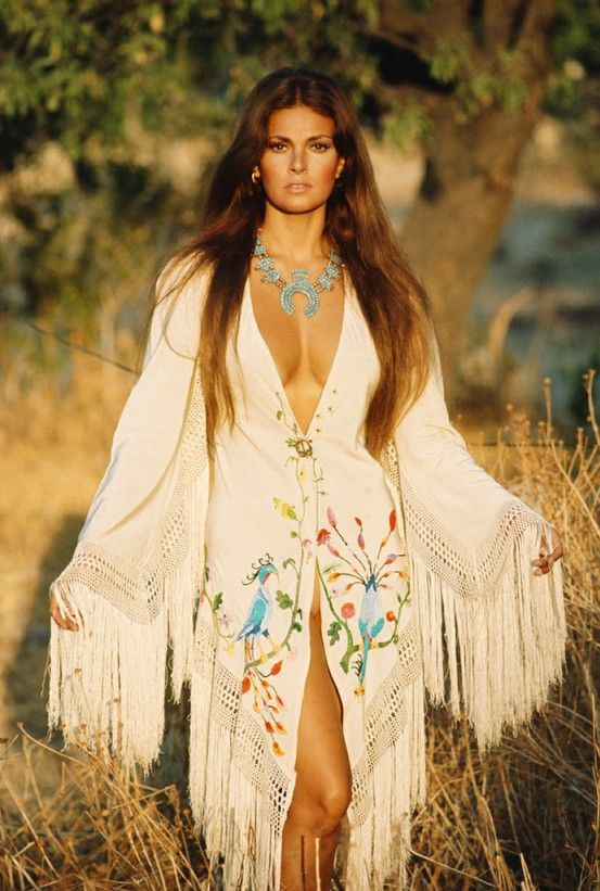 Raquel Welch wearing Valentino, photographed by Franco Rubartelli for Italian Vogue, 1969