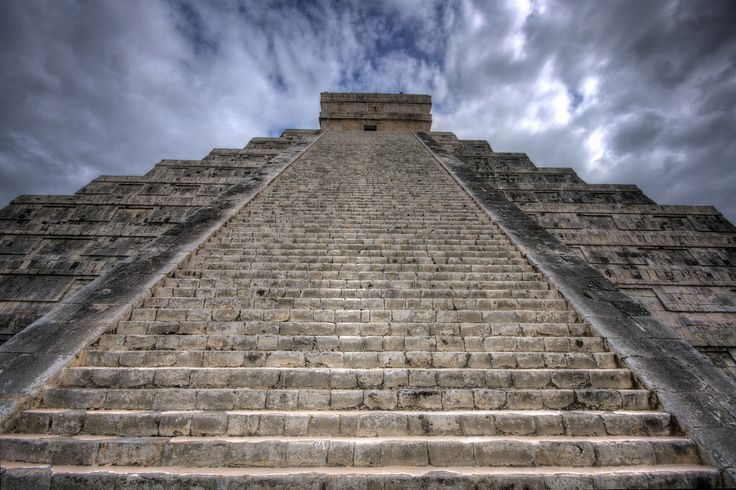 MEXICO, Chichen Itza: El Castillo de la Serpiente Emplumada, Castle of the Feathered Serpent. A.D. 750-1200. ☾ ☀ ☽The 91 steps. El Castillo is a 75-foot-tall Mayan pyramid with 365 steps, one for each day of the year. Each of the temple's four sides has 91 steps, and the top platform makes the 365th.