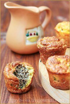 Порционные пироги с говядиной и зеленым луком